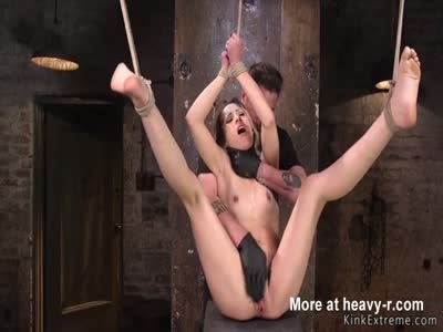 Hanging Girl Made To Squirt