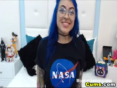 Blue Haired Babe Playing Her Tasty Pussy