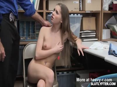 Summer Brooks bouncing off her pussy on top