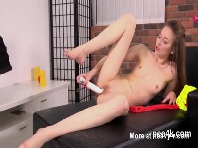 Small Tit Teen Pissig Pussy Play