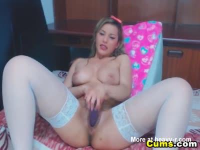 Horny Cam Babe Masturbating