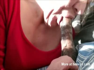 White Elpaso sexy MILF givesa blowjob