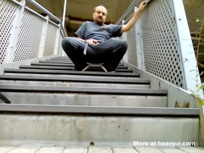 Kocalos - Pissing in the train station