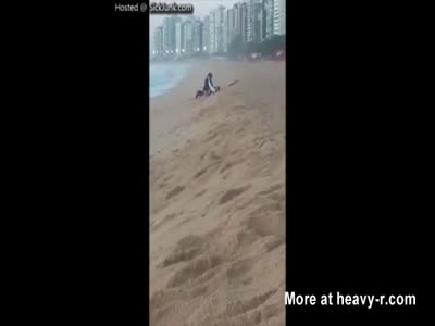 Couple Caught Fucking On The Beach