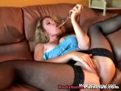 Buff Slut Treating A Dick Well