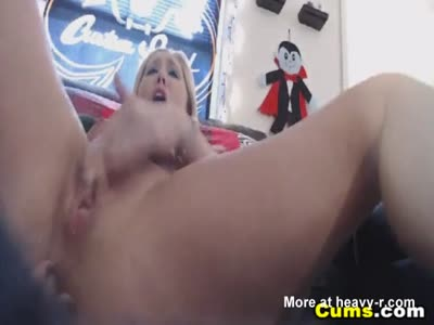 Horny Blonde Squirting For Her Viewers