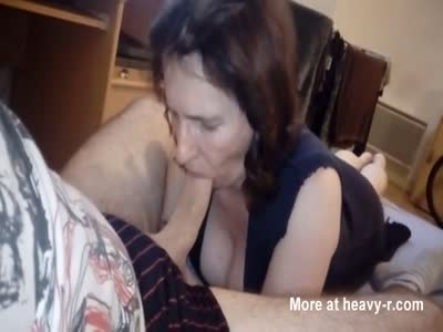 Mommy Sucking With No Hands