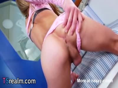 Hot Shemale Bruna Koboldt Pleases Herself
