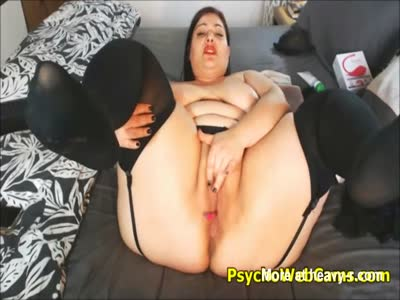 BBW With Huge Butt And Boobs Masturbating