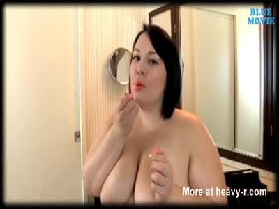 Naked BBW Puts On Makeup.