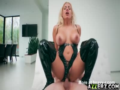 Slut Luna Star Gets Fucked Wild