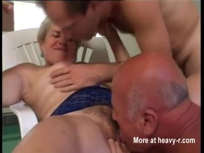 Grannys In Threesome
