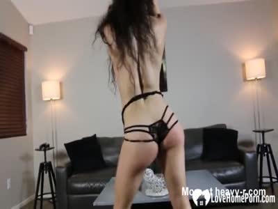 Sexy Girl Ges Topless