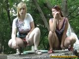 2 Youngs Girls Frontal Pissing