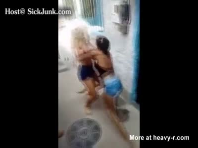 Sexy Teens In Brutal Girl Fight