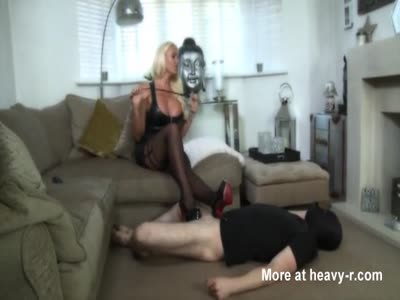 Mistress Gives Hard Ballbusting