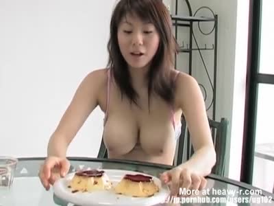 Funny Japanese Porn Girl Compares Her Boobs With Pudding