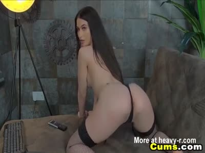 Goddess Playing With Pussy