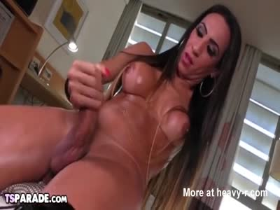 TS Babe Sabrina Camagro Plays With Her Cock