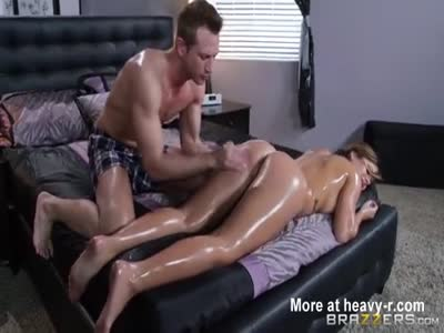 Naive Sitter fucked