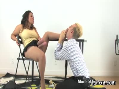 Teens plow lovers anal with oversized strapons and ejaculate