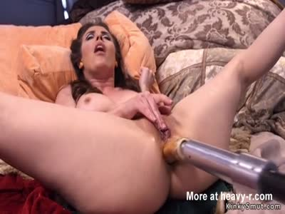 Mature Beauty Anal Fucked By Machine