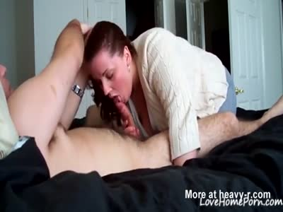 Wife Sucking Hard Boner And Making Him Cum