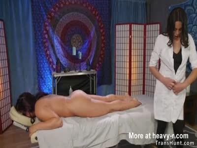 Shemale masseuse fucks tied up babe
