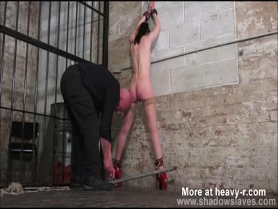 Merciless Whipping Of Struggling Amateur Slave