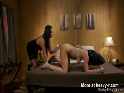 Spanking And Whipping Babe