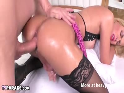 Shemale Babe Barbara Perez Gets Fucked