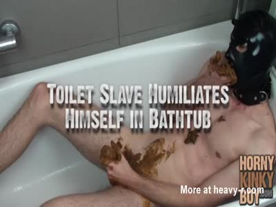 Toilet Slave Humiliates Himself in Bathtub
