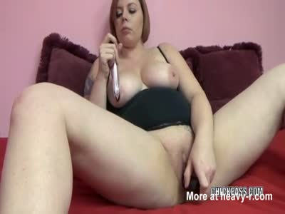 Tiffany Blake is fucking her plump pussy