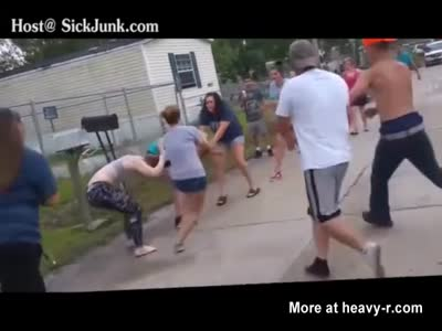 Nasty Girl Fight Turn Into A Redneck Brawl