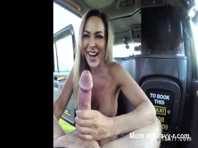 Free lesbian porn video clips kissing