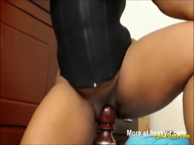 Busty Ebony Fucks Bed Pillar