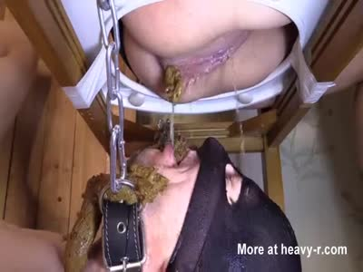 2 Girls Shitting In Slaves Mouth