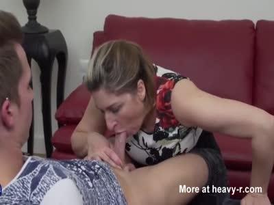 Mom Fucks Schoolboy