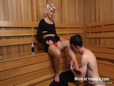 Big cock shemale anal bangs man in spa