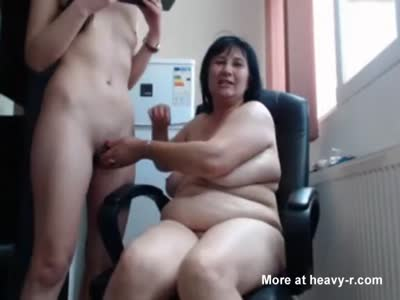 Mom and daugther lesbian cam fun