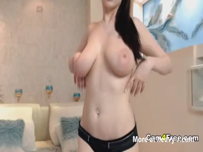 Brunette Chick Fucks Herself on Cam