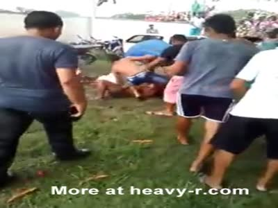 Angry Mob Brutalize Woman