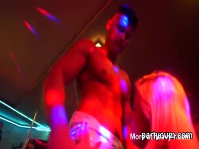 Drunk Girls Sucking Off Strippers