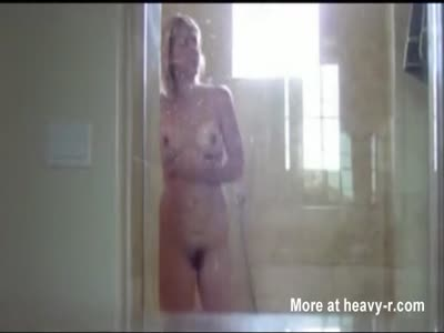 Voyeuring Stepmother In Shower