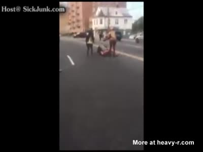 Crack Whores Fight In The Streets