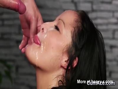 Sexy Hooker Gets A Facial