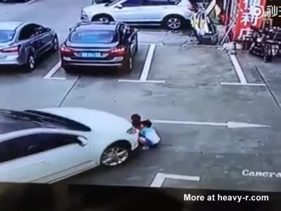 Woman Runs Over 3 Children In A Parkling Lot