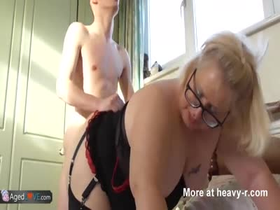 Young Boy Fucking Chubby Cougar