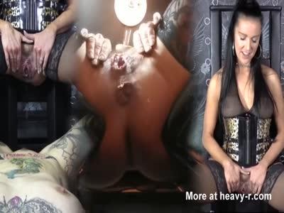 Hot Pissing Slut