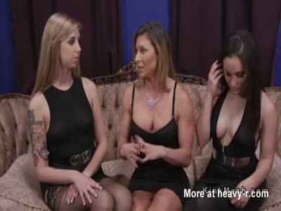 Mature Lesbian Butt Shiffers